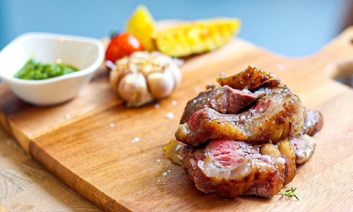 Mio Food and Art ลองชิมสเต็กเนื้อโคขุนจากมหาสารคามที่ถูกปรุงแต่งด้วยรสชาติแบบ Italian