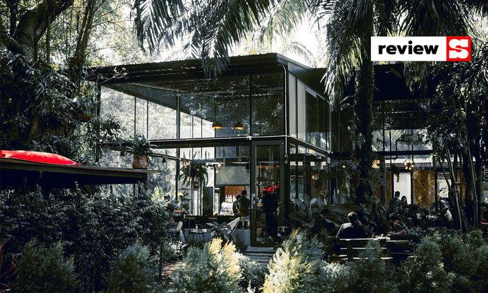 Made In Blue Cafe and Birsto คาเฟ่ในสวน ที่คุณต้องห้ามพลาด!
