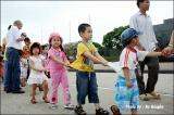 เด็กๆ มาทัศนศึกษา ณ สุสานท่านโฮจิมินห์