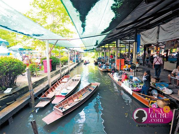ตลาดน้ำวัดสะพาน ตลาดน้ำเล็กๆ ของชุมชนชาววัดสะพานที่พายเรือมาขายของอร่อยๆ  กันแต่เช้าตรู่ มีไม้ดอกไม้ประดับและพืชผักผลไม้จากสวนให้ซื้อกลับบ้าน ...