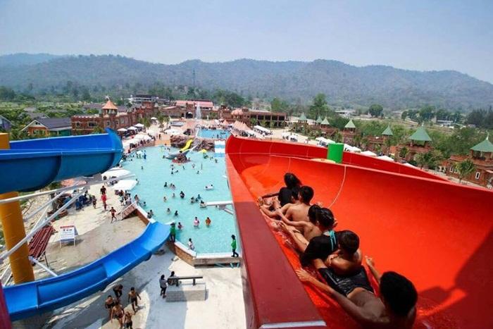 สวนน้ำ The Resort Waterpark