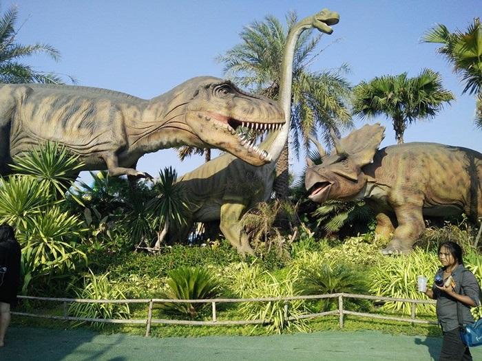 สวนน้ำ Jurassic Water Park นครปฐม
