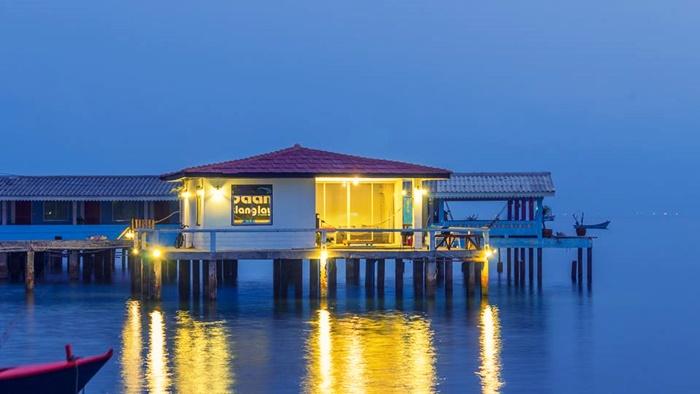 ที่พักเกาะล้าน บ้านกลางเล