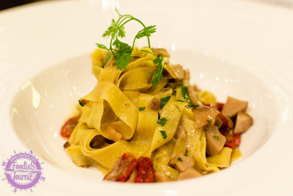 Fettuccine Porcimi, saute cep, best European mushrooms, parsey, garlic, thyme