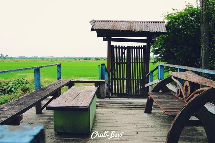 Pana Cafe คาเฟ่บนเรือนไทย