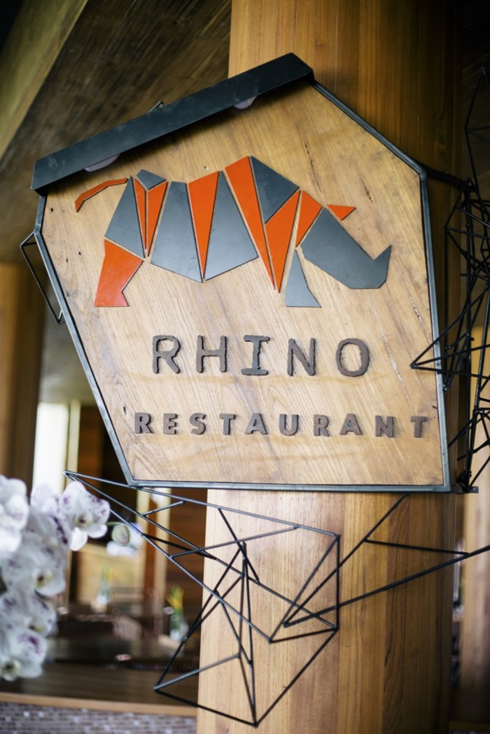 come-dine-with-rhinoceros018
