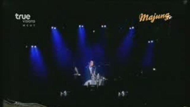 MV เพลง คิดถึงเธอทุกทีที่อยู่คนเดียว : Mr.Saxman &