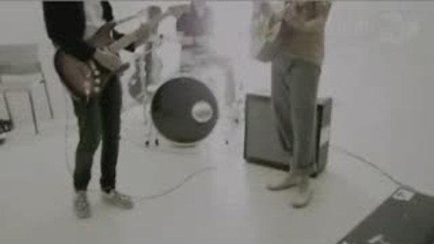 MV เพลง ครึ่งสายตา : Sqweez Animal