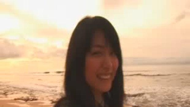 สาวญี่ปุ่นริมทะเล