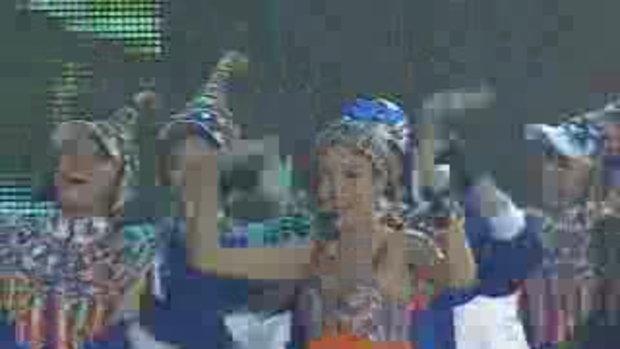 อั้ม-พิงกี้ โชว์ความสวีทบนเวทีคอนเสิร์ตแบบเบิร์ดเบ