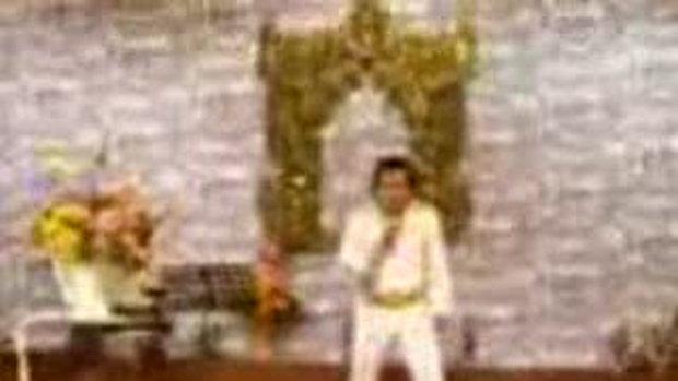 Elvis, (HEEEEEEE'S BAAAAAACK)