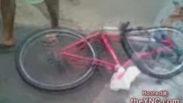 คลิปหมาดเสียว จักรยานล้มขาขาด