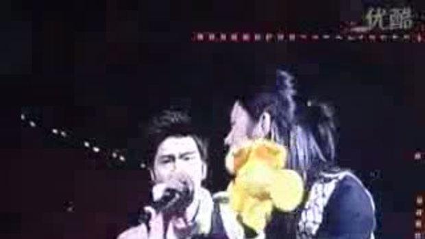 ฮีชอล โดน ซีวอน ขโมยจูบ (อีกแล้ว)