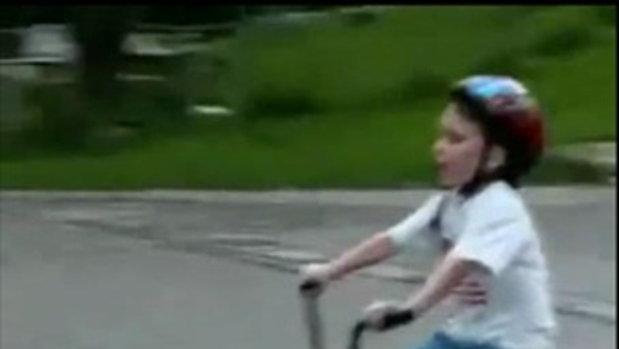 คุณแม่สอนคุณลูก ให้ขี่จักรยาน