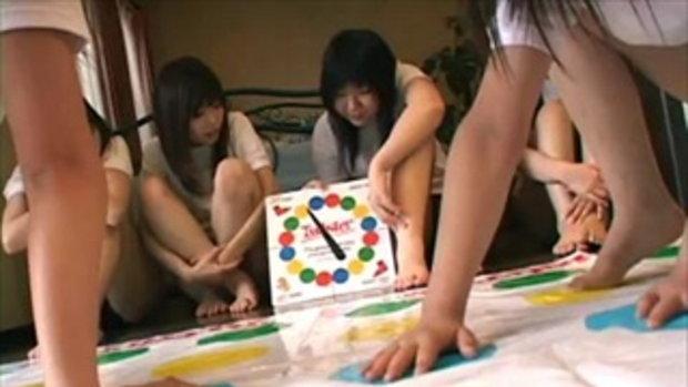 หมวยญี่ปุ่นเล่นเกมอะไรเนี่ย!!