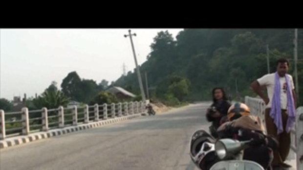 เจโอ๋เวสป้าผจญภัย-กลางสะพาน(เนปาล)