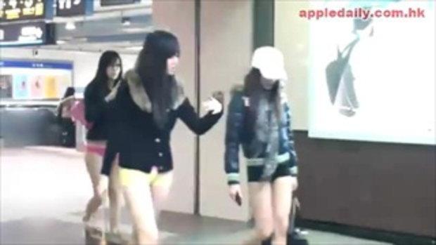 แฟชั่น! สาวใต้หวันไม่ใส่เกงขึ้นรถไฟ