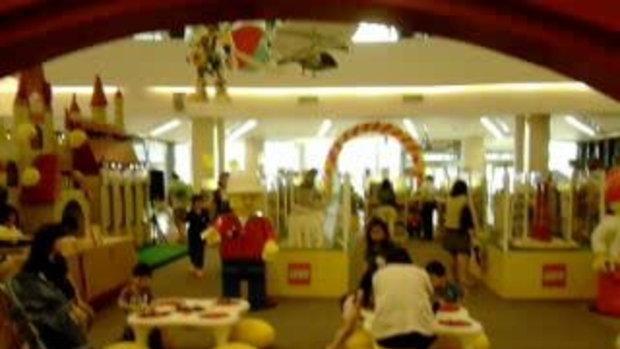 ชมงานต่อตัวอีโก้ ที่ห้างสยามพารากอนเวิลด์