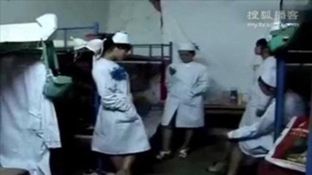 เต้นโชว์บรา วิธีคลายเครียดของพยาบาลสาวจีน