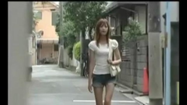 คนที่3 เตือนสาวๆ เดินคนเดียวเดี๋ยวโดนระเบิดตูด