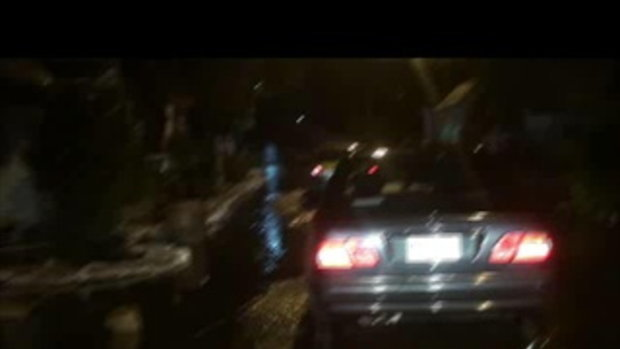 น้ำท่วมปทุมธานี-ถนนวัดลาดสนุ่น-16ตุลาคม2554-20111015214302.mp4