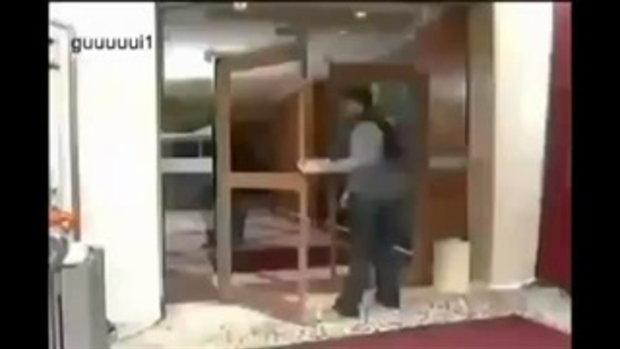 ใครออกประตูนี้เป็นฮาทุกราย 55+