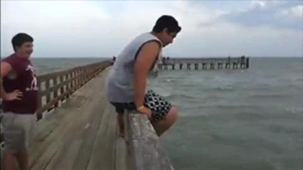 ดูแล้วเสียว! ตุ้ยนุ้ยโดดน้ำ น้ำมันตื้นเลยได้เสียว