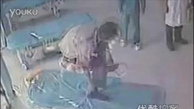 ผู้บาดเจ็บชาวจีนเมายา ทำร้ายหมอและพยาบาล