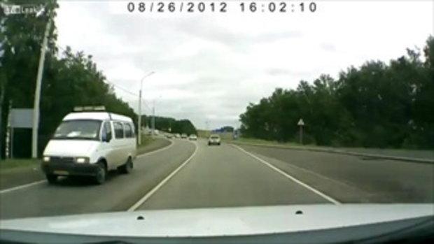 อุบัติเหตุรถเบี่ยงมาชนกันจนเสียชีวิตในรัสเซีย