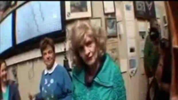คุณยายวัย82ปีโดดร่ม...SHOCKกลางอากาศ