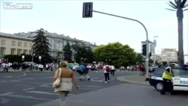 โปแลนด์ VS รัสเซีย ไล่ตีกันกลางถนน