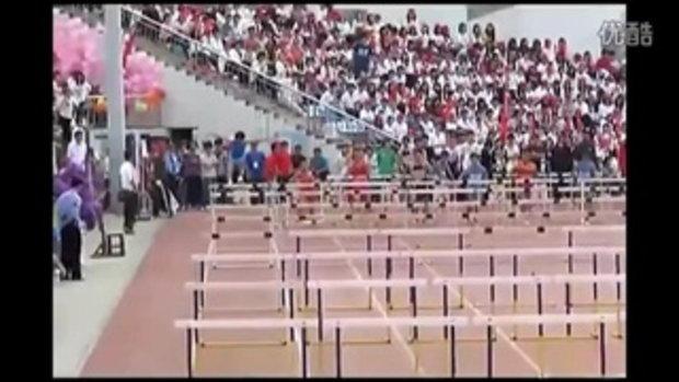 นักวิ่งข้ามรั้วจีนทำมึนวิ่งพังหมดลู่