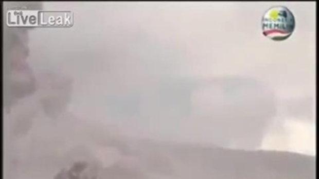 วิ่งระทึก !! เหตุภูเขาไฟระเบิดเกาะสุมาตรา