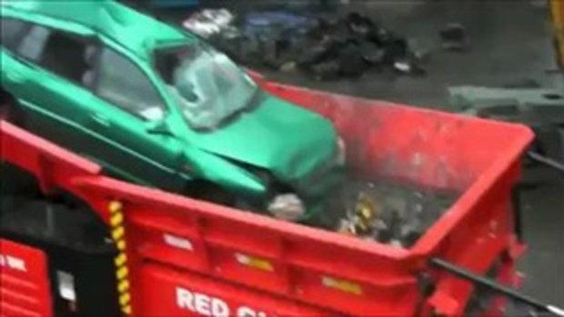 เครื่องทำลายรถ