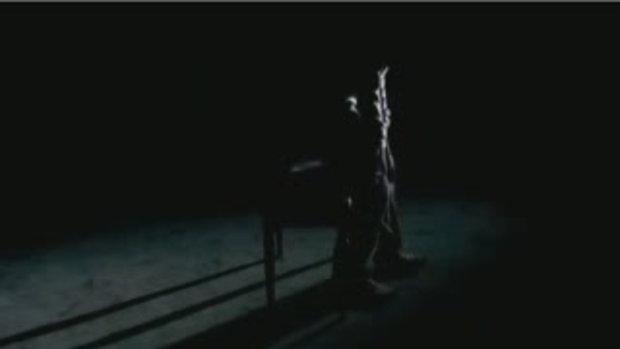 MV เพลงปิดปากอยู่กับฉัน : JerryBluerry
