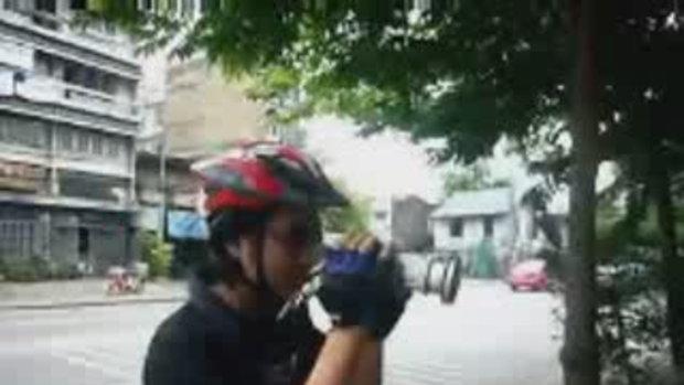 เบื้องหลังคนโง่ปั่นจักรยาน (กุฎีจีน)