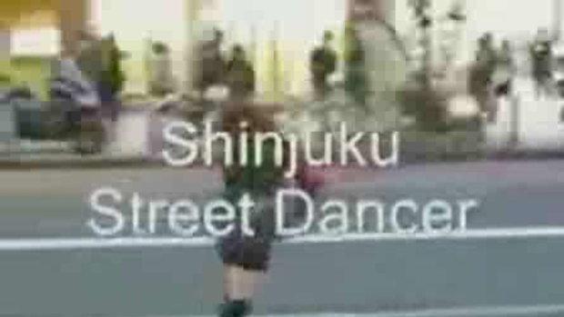 สาวญี่ปุ่นโชว์เด็ด กลางถนน