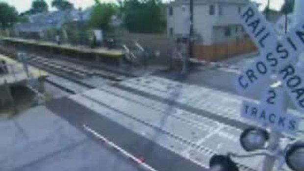 อุบัติเหตุ รถไฟ ชนเละสุดสยอง