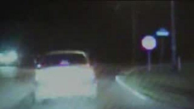 คลิปเด็กเทพ โผล่อีก เด็ก9ขวบ ซิ่งรถ หนีตำรวจ