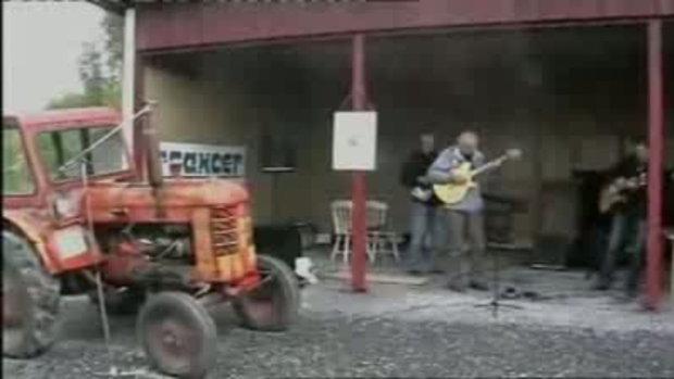 ดนตรี จากรถแทรคเตอร์