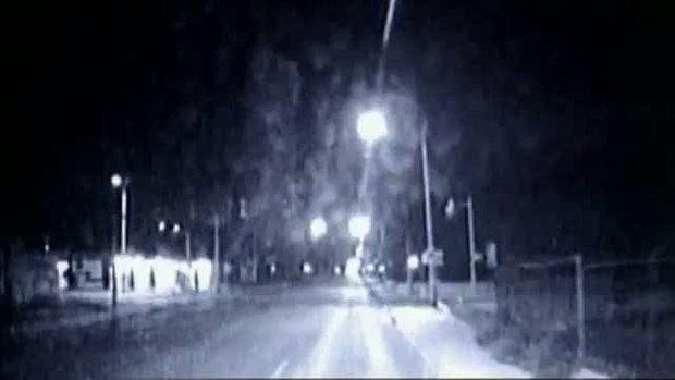 ขับรถเกือบทับ เด็กกลางถนน