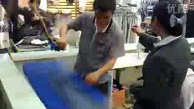 สุดยอด การรีดกางเกง ลีลาการรีดผ้า ระดับโลก