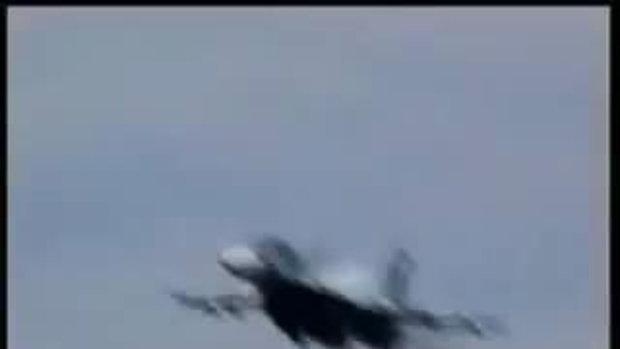 สยอง!เครื่องบินตกกวาดคนดูเกลื่อน