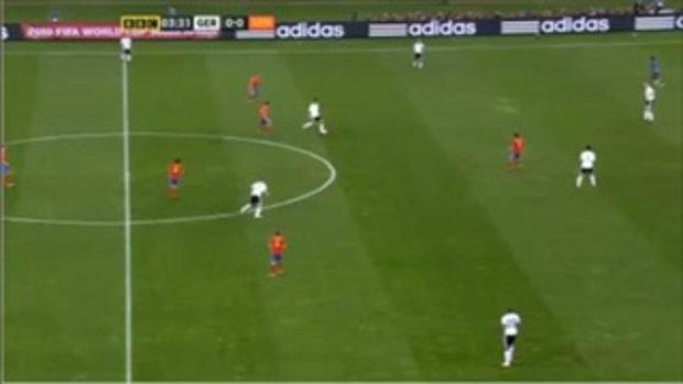 แฟนบอลในสนาม นัดเยอรมัน vs สเปน ใครหว่า?