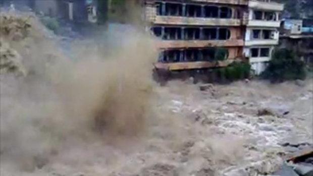 ปากีสถาน น้ำทะลัก ยอดตายพุ่ง 1500 คน