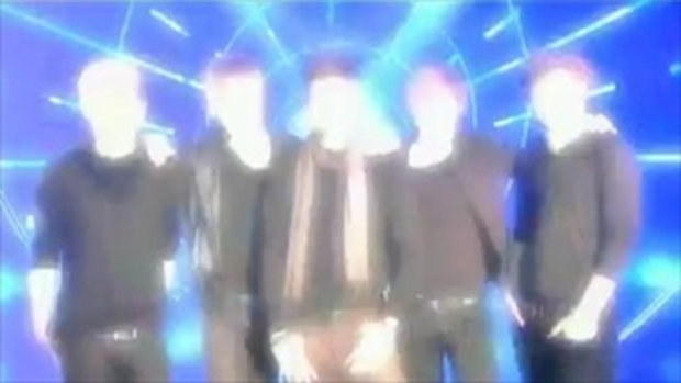 One Direction sing Viva La Vida - The X Factor Liv