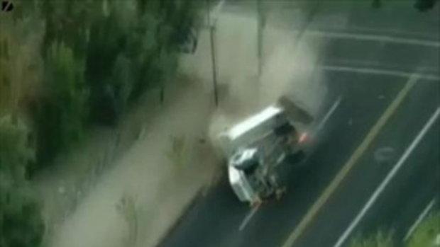 Massive Truck Crash ชนรถบรรทุก!!