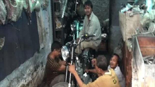 เจโอ๋เวสป้าผจญภัย-รุมซ่อมรถในกาลาบัค