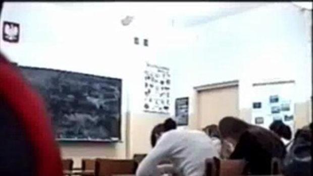 โรคจิต ป่วนห้องเรียน เจองี้ก็งงดิ