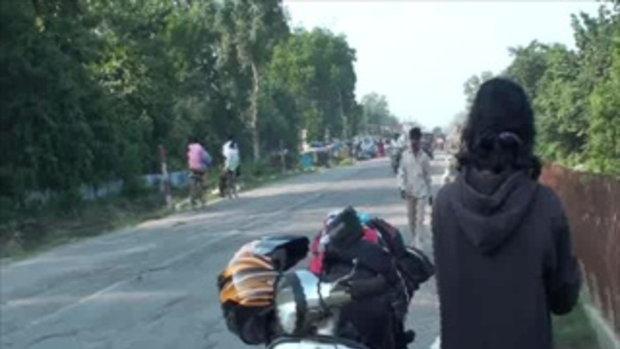 เจโอ๋เวสป้าผจญภัย-นักเรียนหญิงอินเดีย